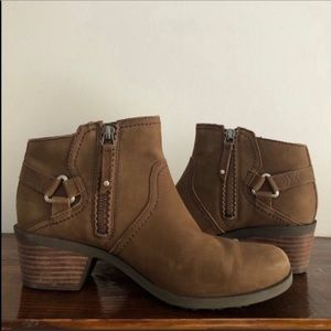 TEVA Foxy Ankle Boots 8.5M